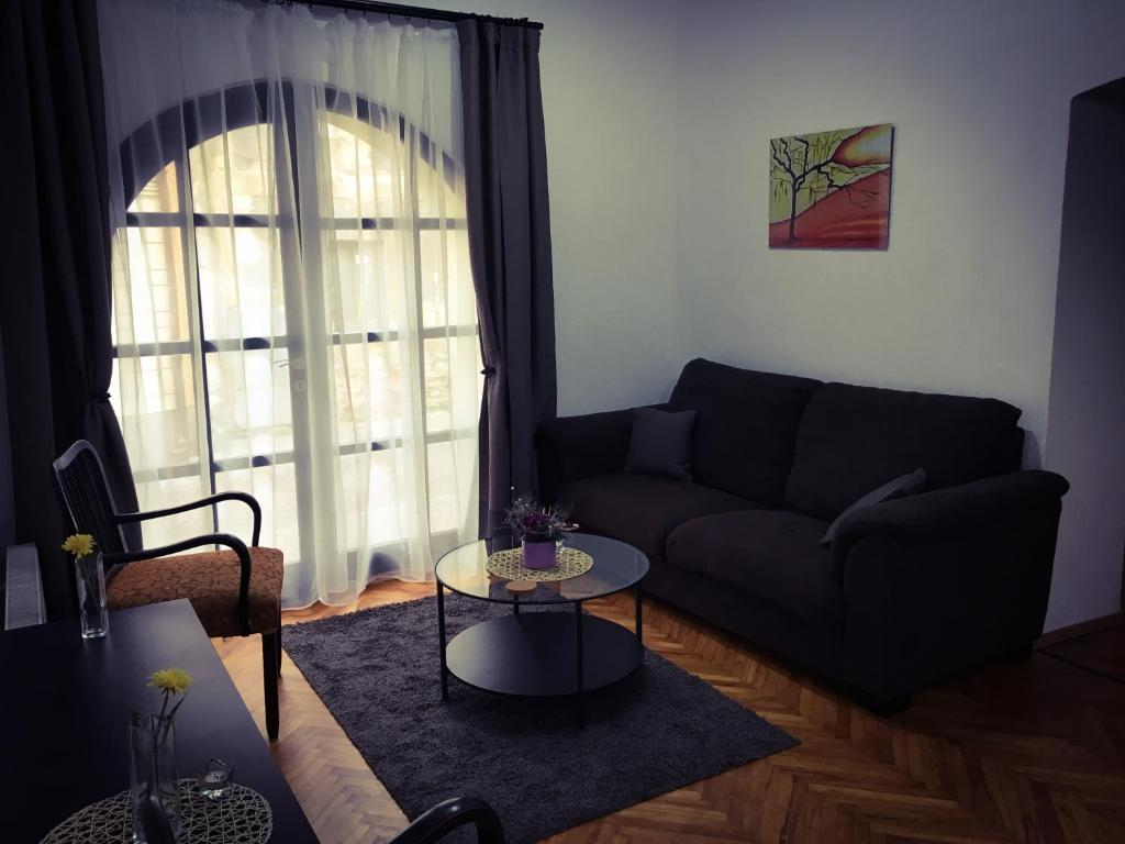 A seating area at Kutná Hora Apartment