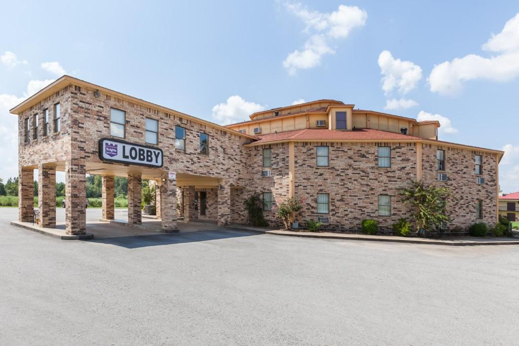 Knights Inn and Suites Searcy