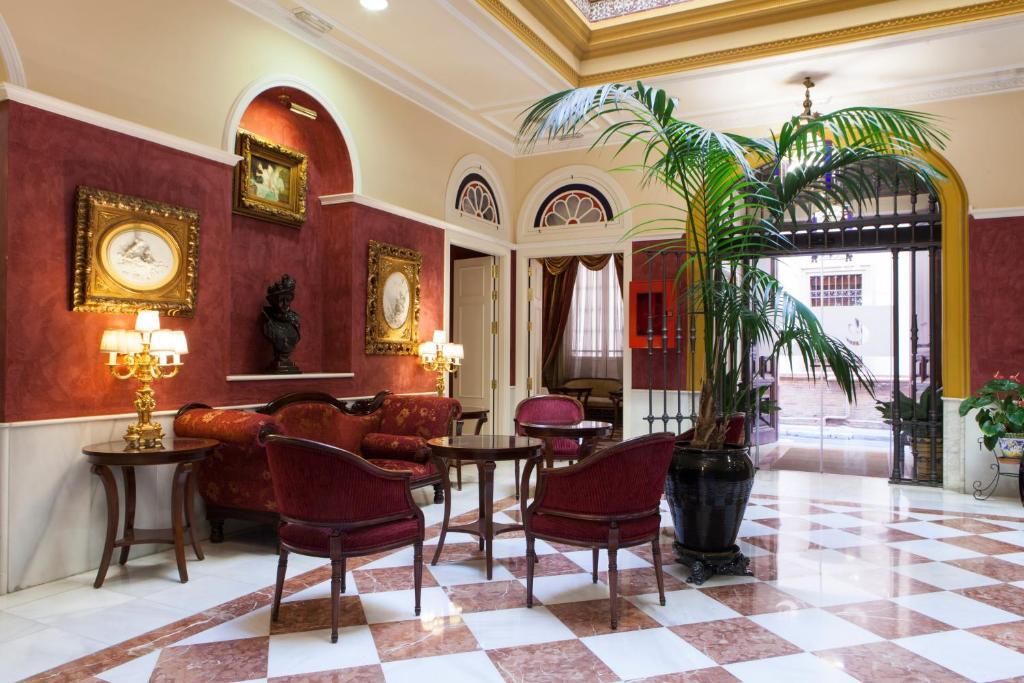 Salon ou bar de l'établissement Hotel Cervantes