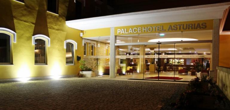 A fachada ou entrada de Palace Hotel Astúrias & Spa