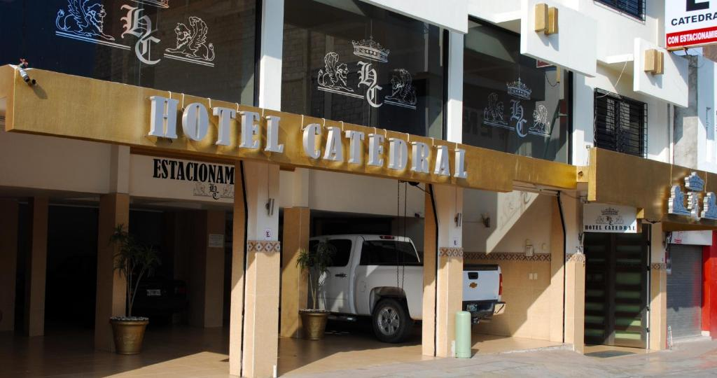 The facade or entrance of Hotel Catedral