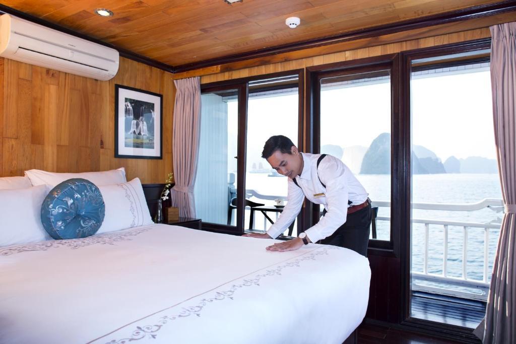 Phòng Luxury Giường Đôi Với Ban Công (Chèo Thuyền Kayak Miễn Phí) - 2 Ngày 1 Đêm