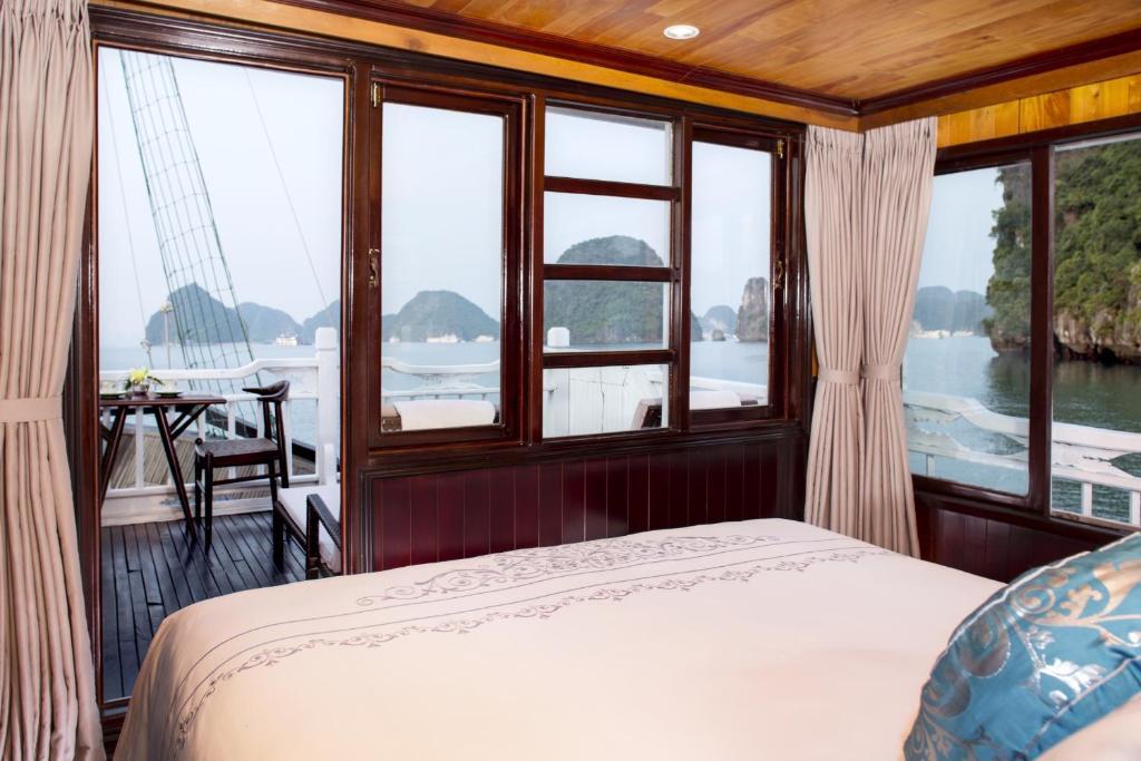 Suite Có Sân Hiên (Chèo Thuyền Kayak Miễn Phí) - 2 Ngày 1 Đêm