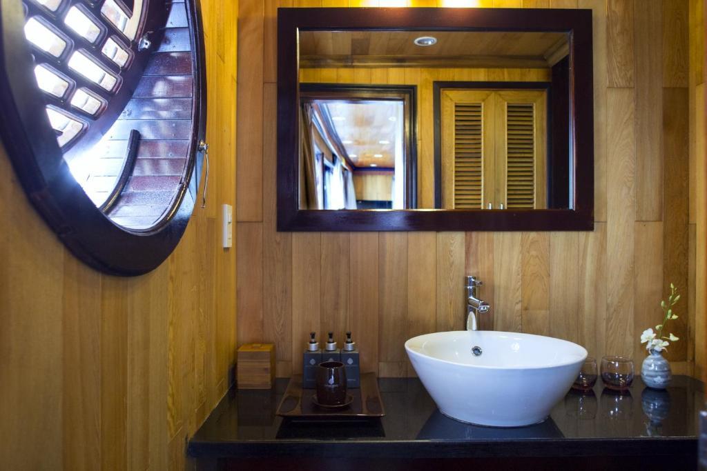 Phòng Luxury Giường Đôi/2 Giường Đơn Với Cửa Sổ (Chèo Thuyền Kayak Miễn Phí) - 2 Ngày 1 Đêm
