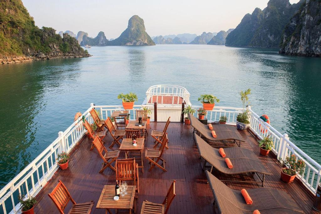 Halong Golden Bay Cruise, Ha Long, Vietnam - Booking.com