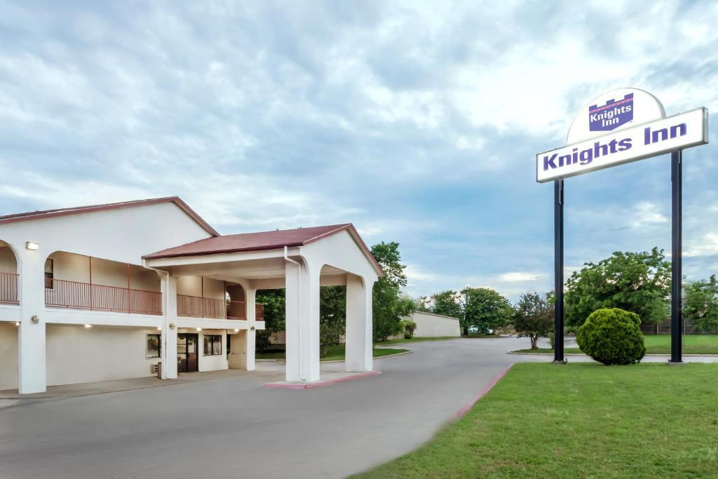 Knights Inn Denton