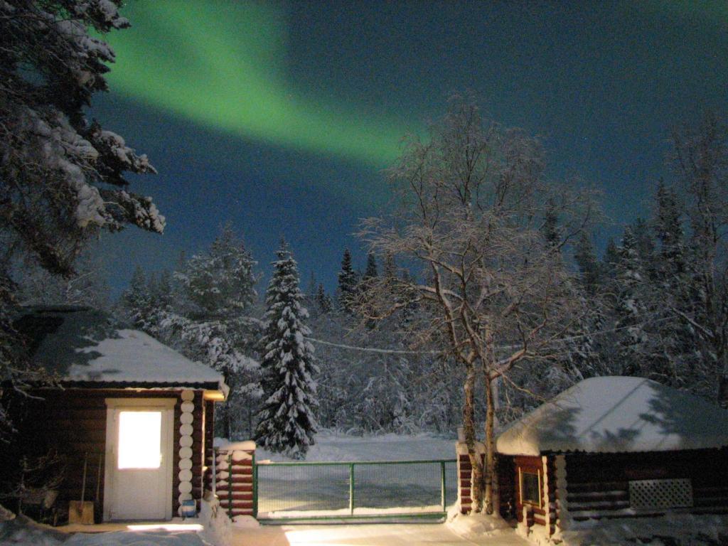 база отдыха Огни Имандры зимой