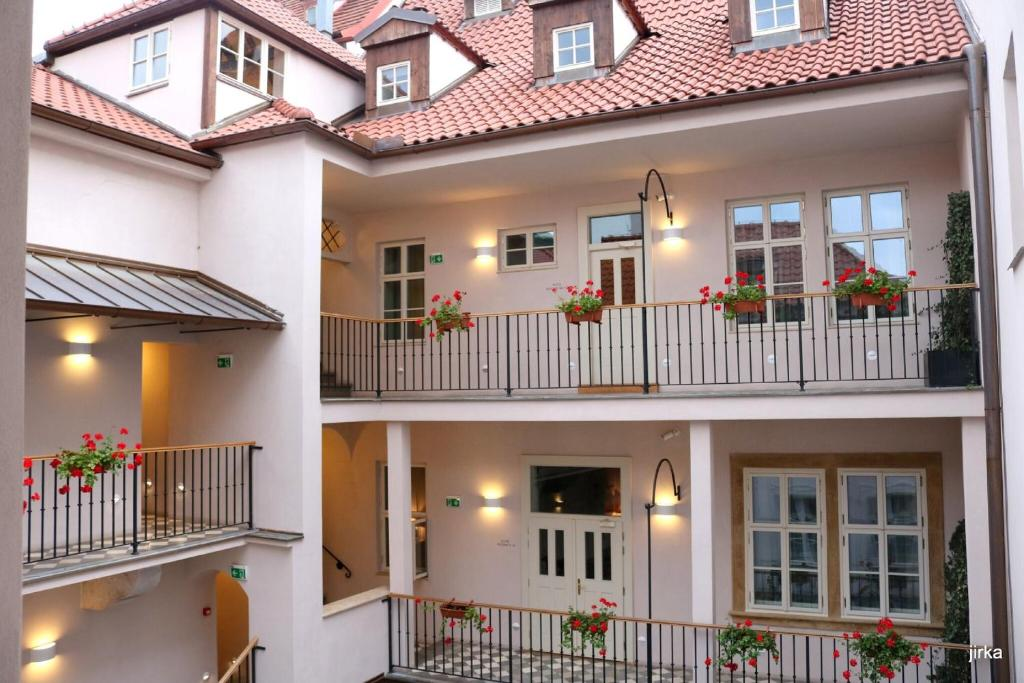 A balcony or terrace at Golden Key