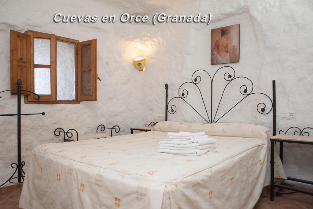 A room at Alojamientos Cuevas En Orce