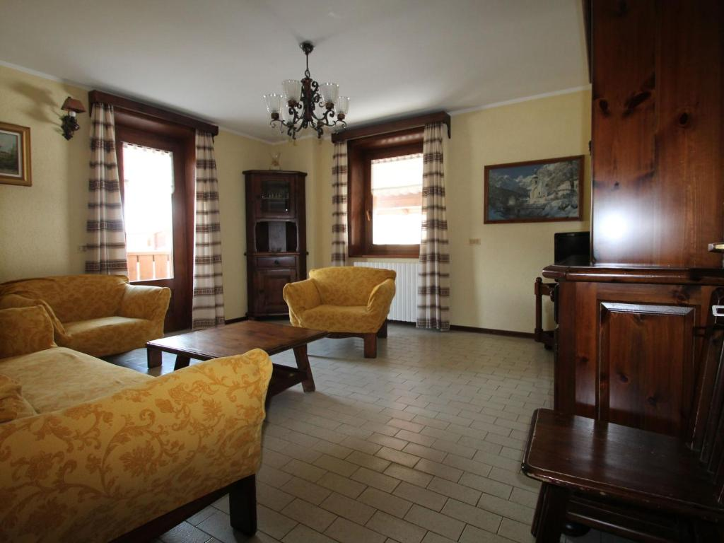 Well-furnished Holiday Home in Livigno Italy near Ski Area ...
