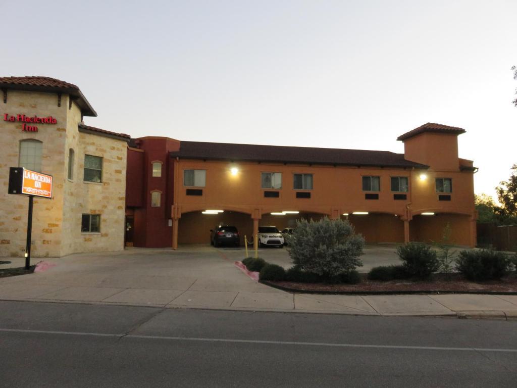 La Hacienda Inn By Knights Inn