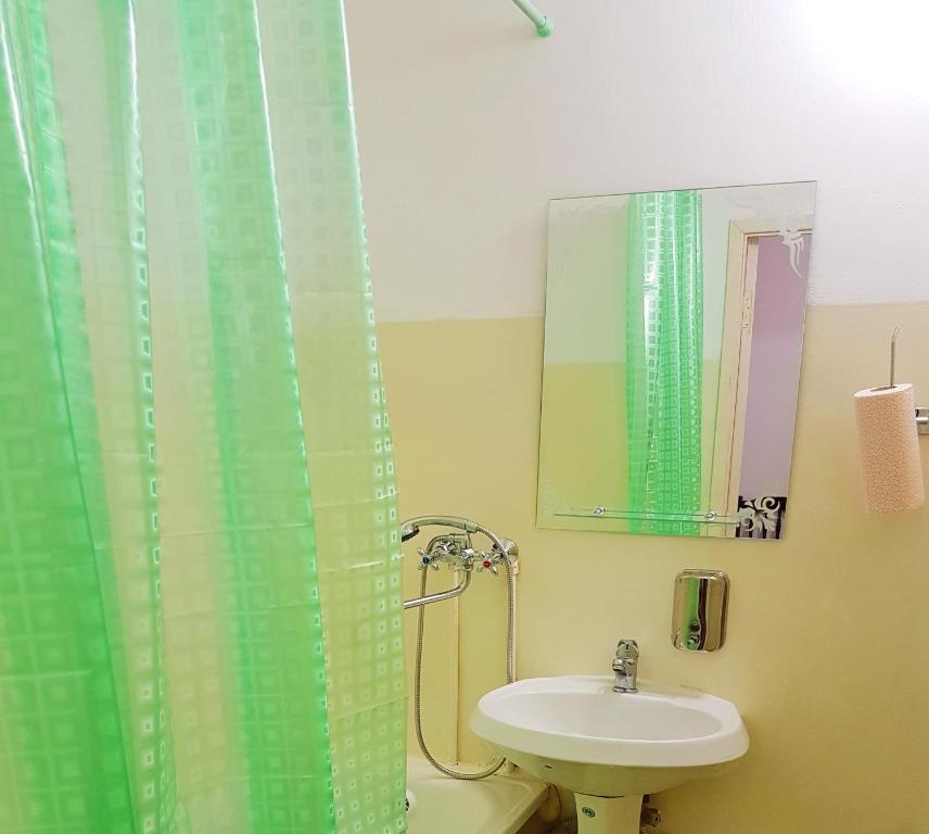 A bathroom at Hostel Uyt in Kursk