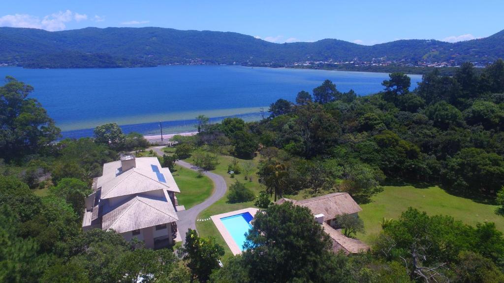 Uma vista aérea de Haute Haus - Guest House