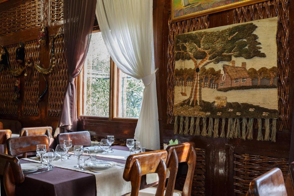 Ресторан / где поесть в Райский Уголок