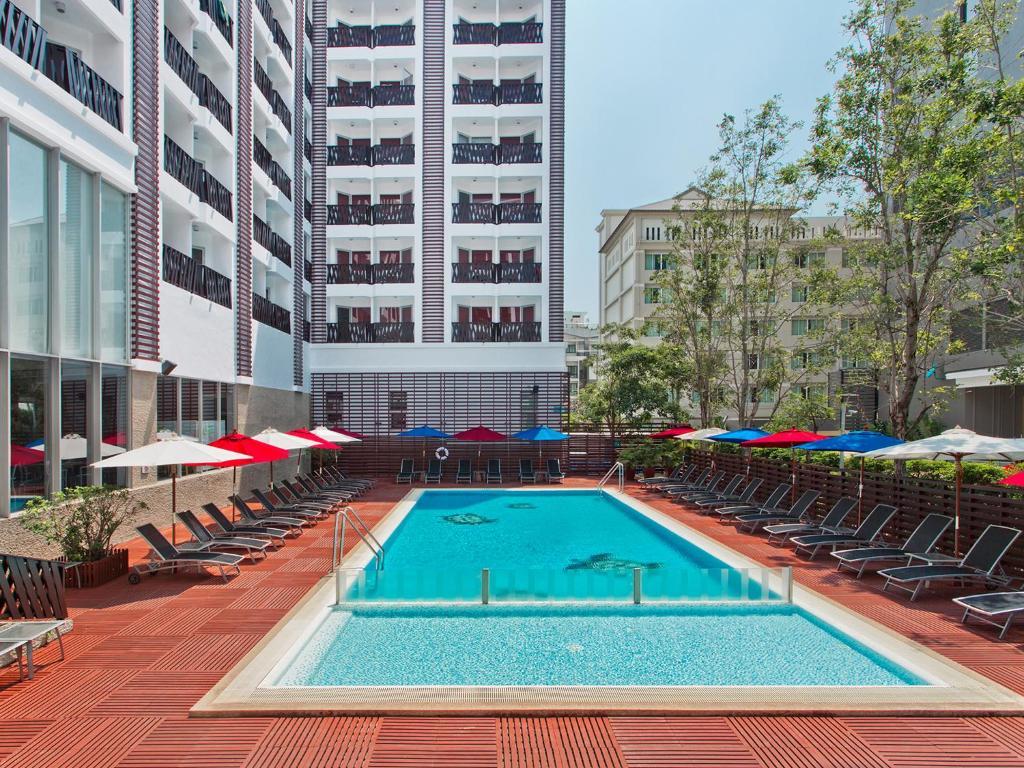 The swimming pool at or near Ibis Pattaya