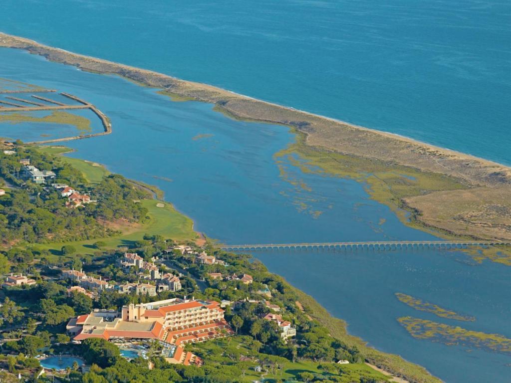 Blick auf Hotel Quinta do Lago aus der Vogelperspektive