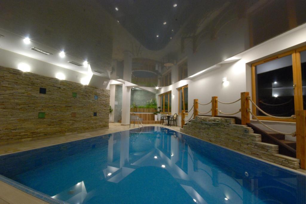 The swimming pool at or close to Viva Maria Zakopane
