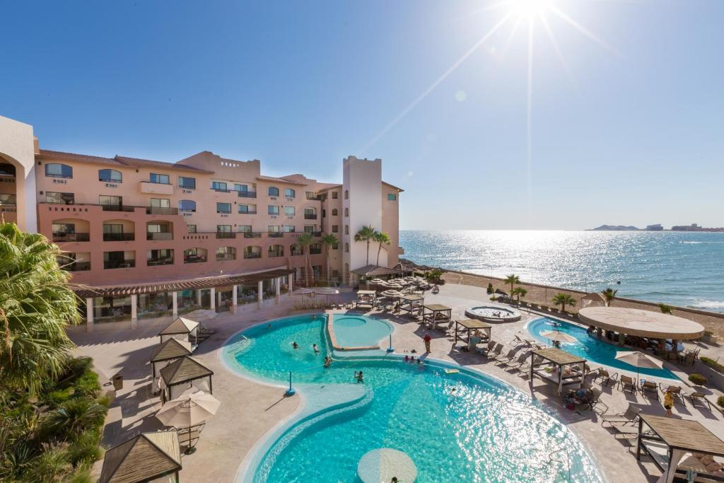 A view of the pool at Peñasco del Sol Hotel & Conference Center-Rocky Point or nearby