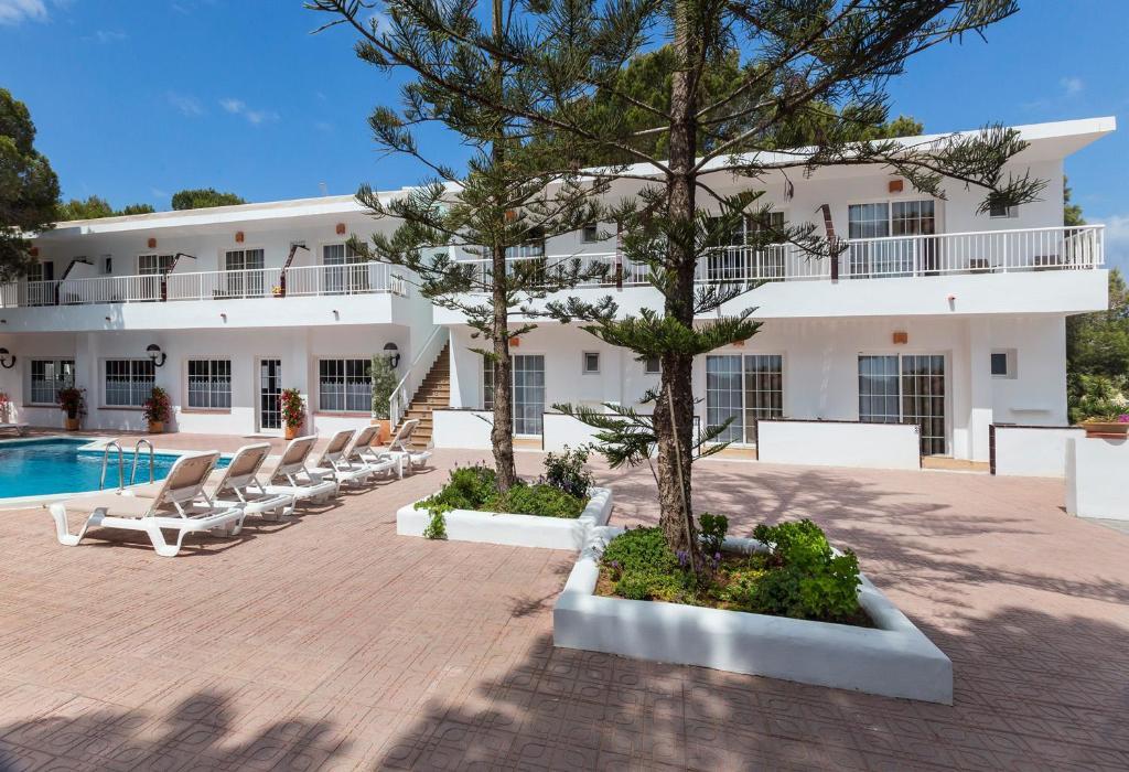 Guesthouse Hostal Es Pi Formentera, Playa Migjorn, Spain ...