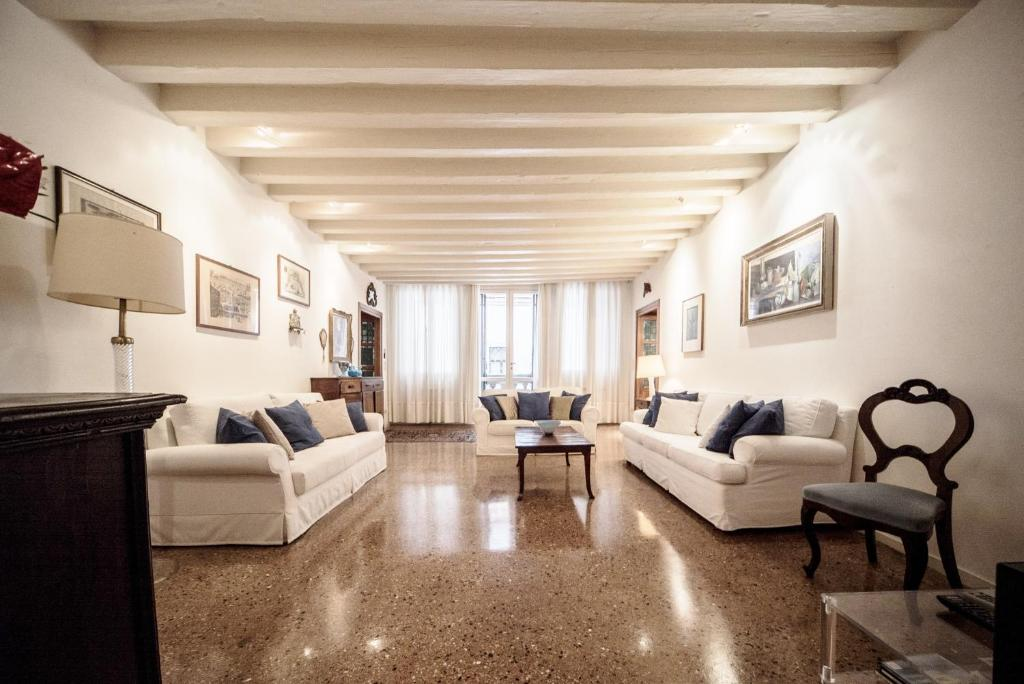 Apartment Accademia Terrazza Venice Italy Booking Com