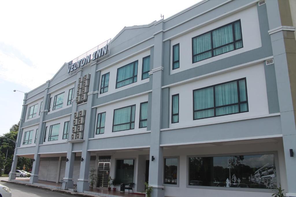 Bangunan di mana terletaknya inn ini The Velton Inn Bintulu | Dari RM70 Semalam
