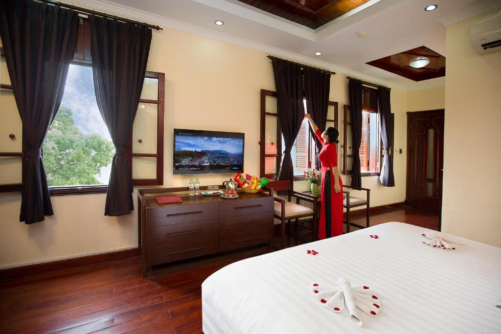 Honeymoon Suite - Superior Double or Twin Room - Free Minibar & Late Check-Out at 14.00 hr