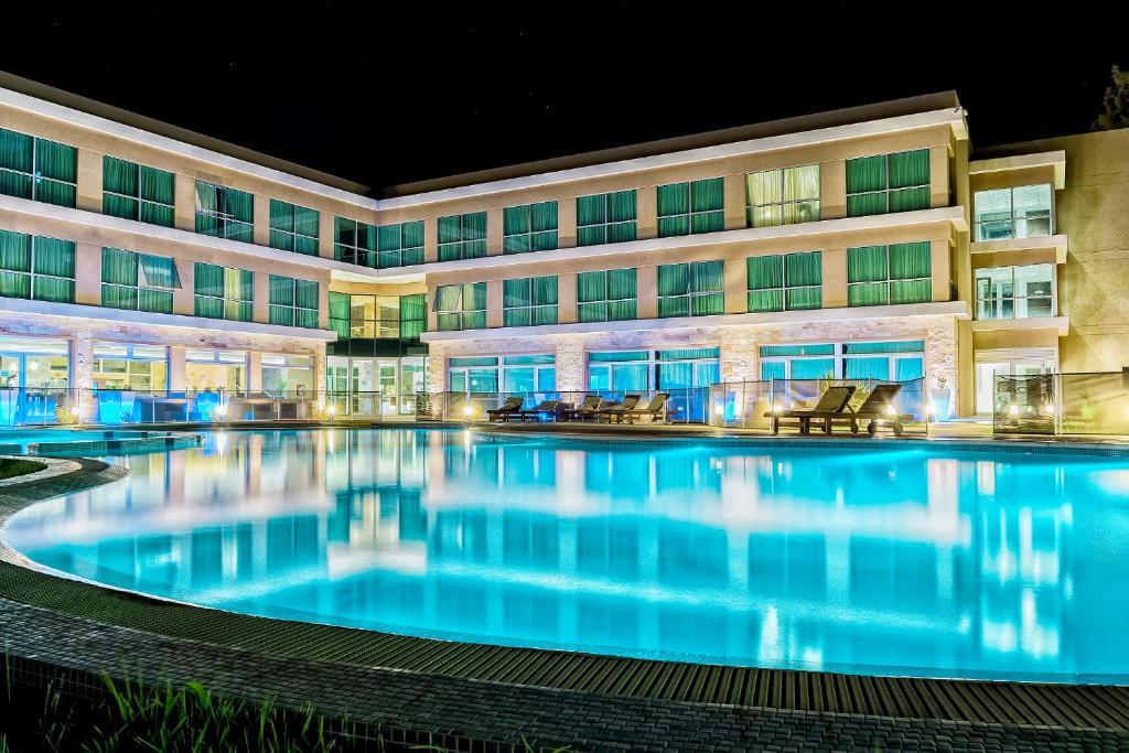 Hotel Howard Johnson Neuquen (Argentina Neuquén) - Booking.com