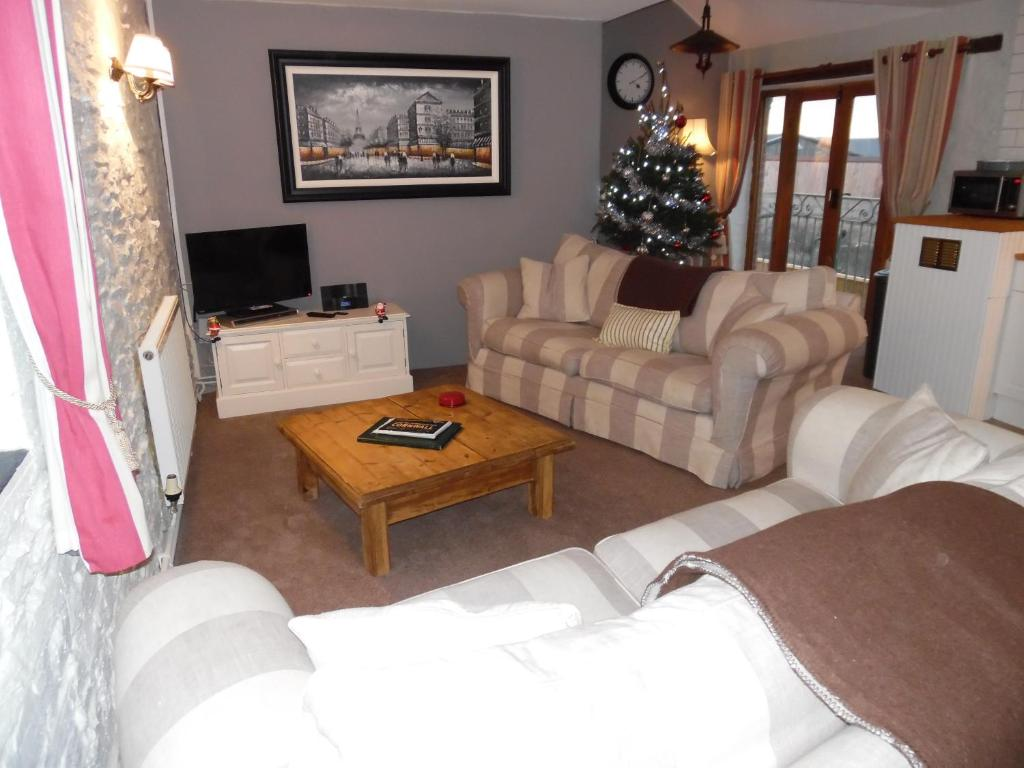 A seating area at Primrose Cottage
