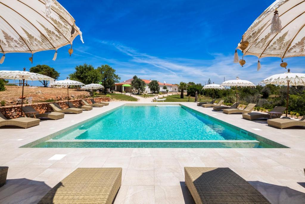 The swimming pool at or near Casa Tuia Resort