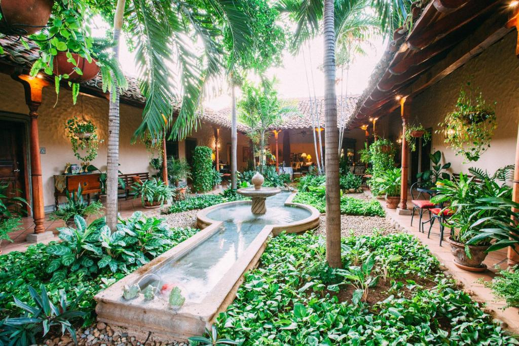 Hotel Los Robles - מנגואה