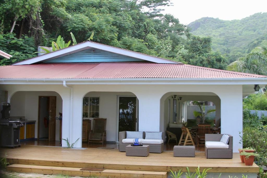 Villa Beach House At Anse Forbans Takamaka Seychelles