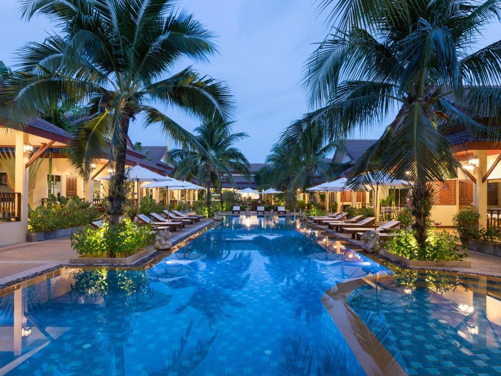 Πισίνα στο ή κοντά στο Le Piman Resort