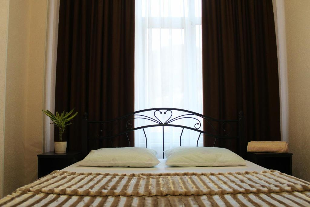 A bed or beds in a room at Avesta