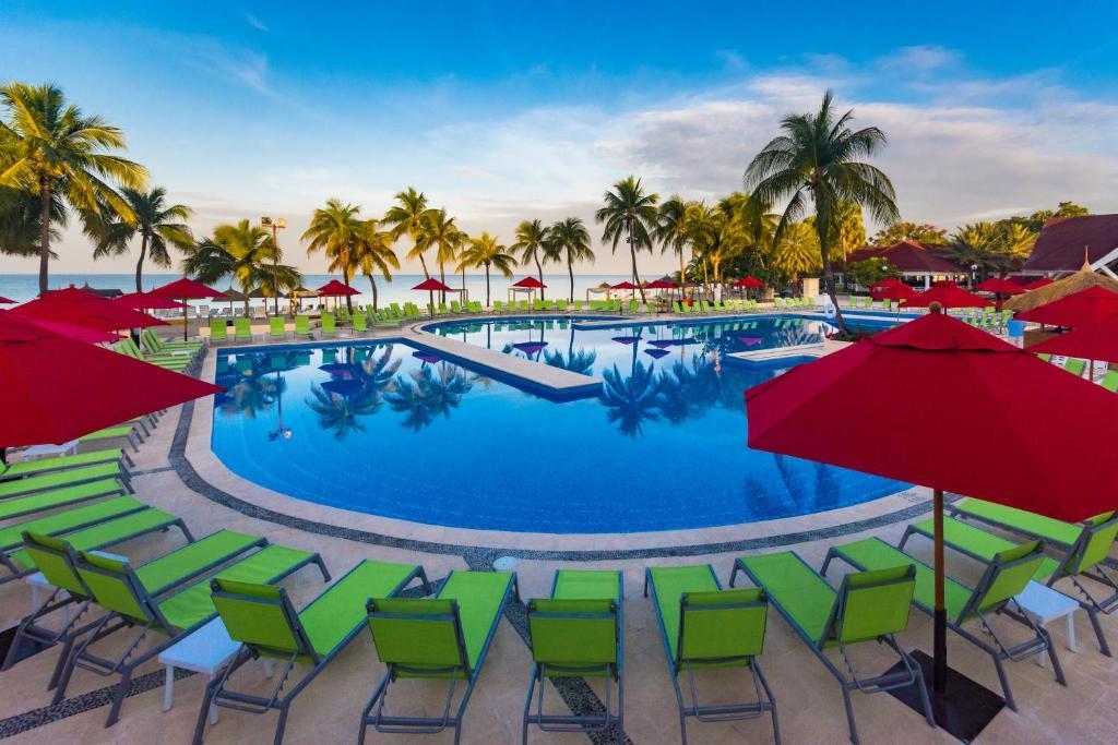 Resort Royal Decameron Indigo