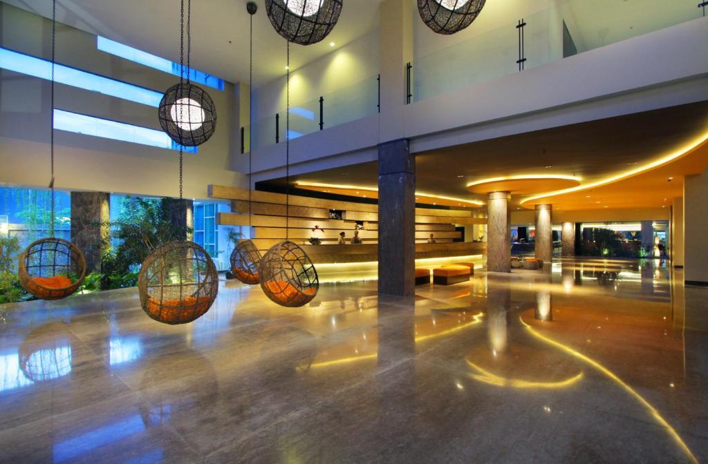 Fitnesscenter och/eller fitnessfaciliteter på b Hotel Bali & Spa