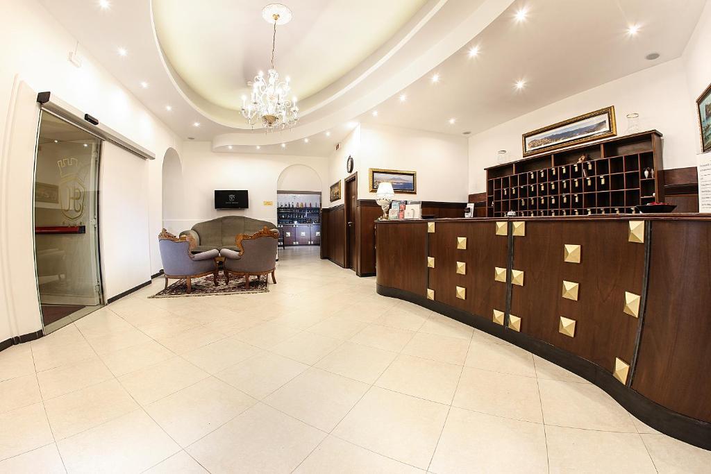 The lobby or reception area at Grand Hotel Capodimonte