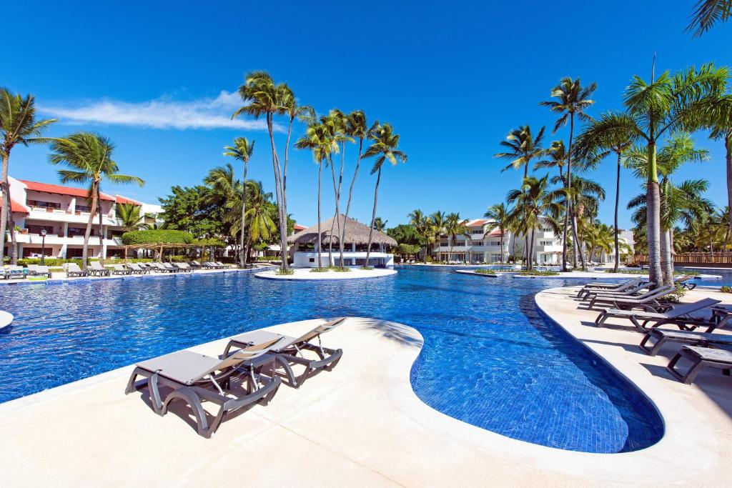 "Басейн в Occidental Punta Cana - All Inclusive Resort - Barcelo Hotel Group ""Newly Renovated"" або поблизу"