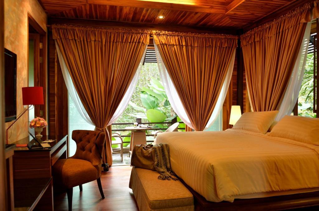 32 Coffee Hill & Resort