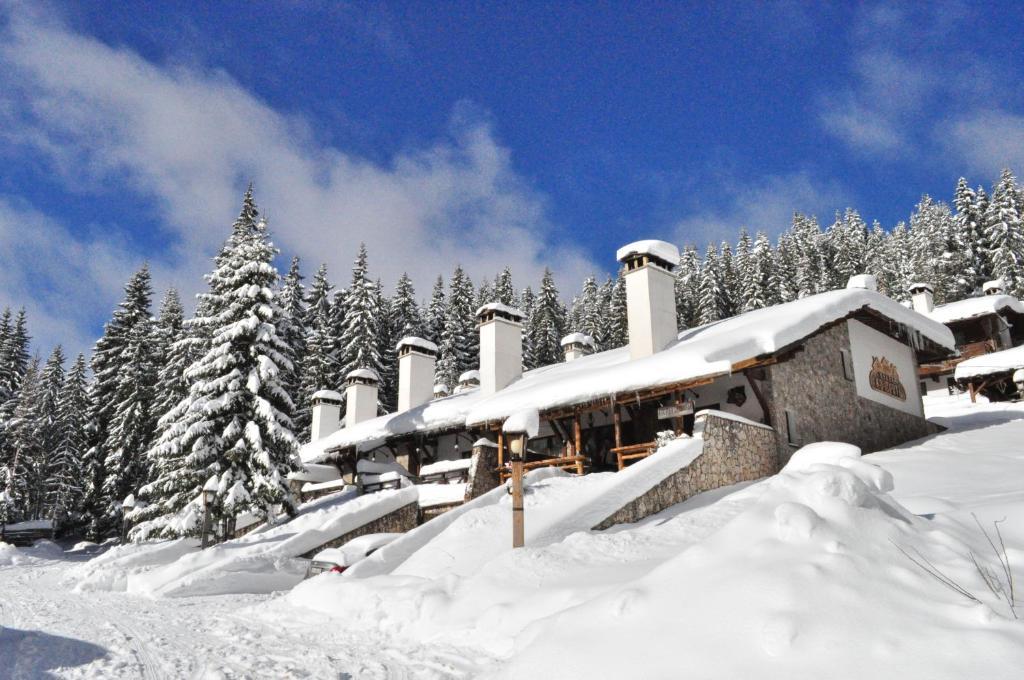 Holiday Village Kochorite om vinteren