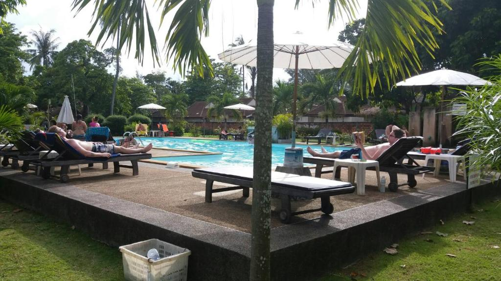 The swimming pool at or near Lanta Long Beach Hostel