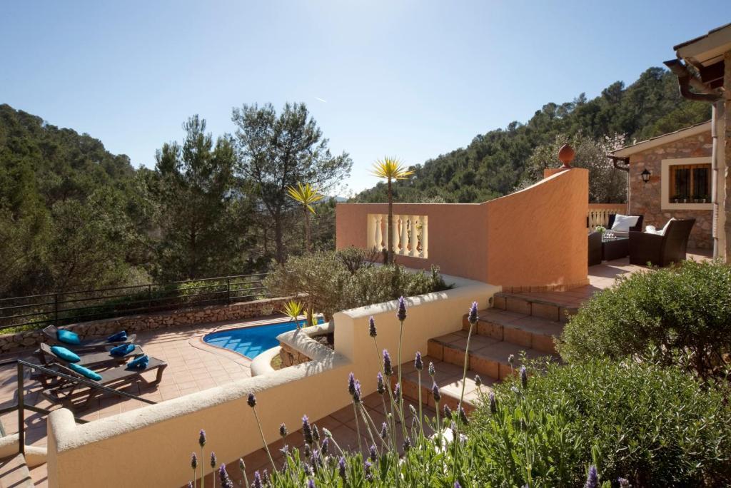 A view of the pool at Villa Magdalena Calvia or nearby