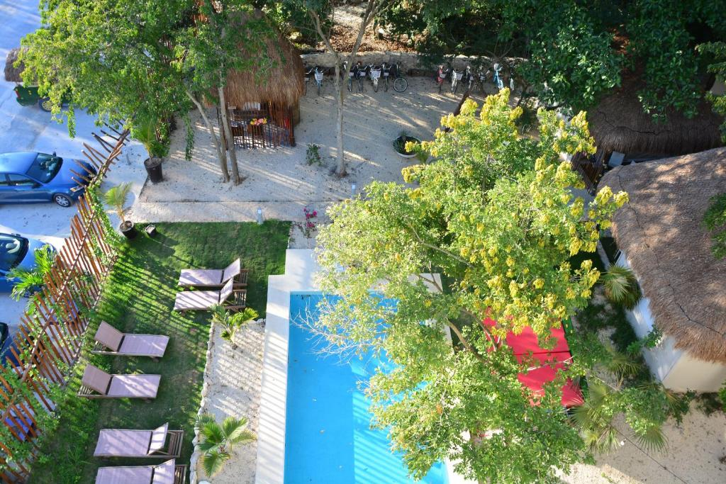 A view of the pool at Itaka Glamping Cabanas & Loft or nearby