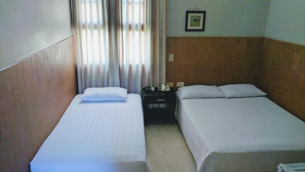 Hotel Bahia Blanca (Colombia Santa Marta) - Booking.com