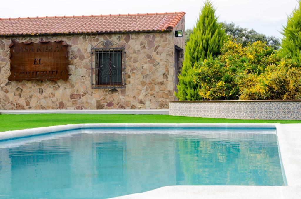 Casa Rural El Portezuelo (España Fuenlabrada de los Montes ...