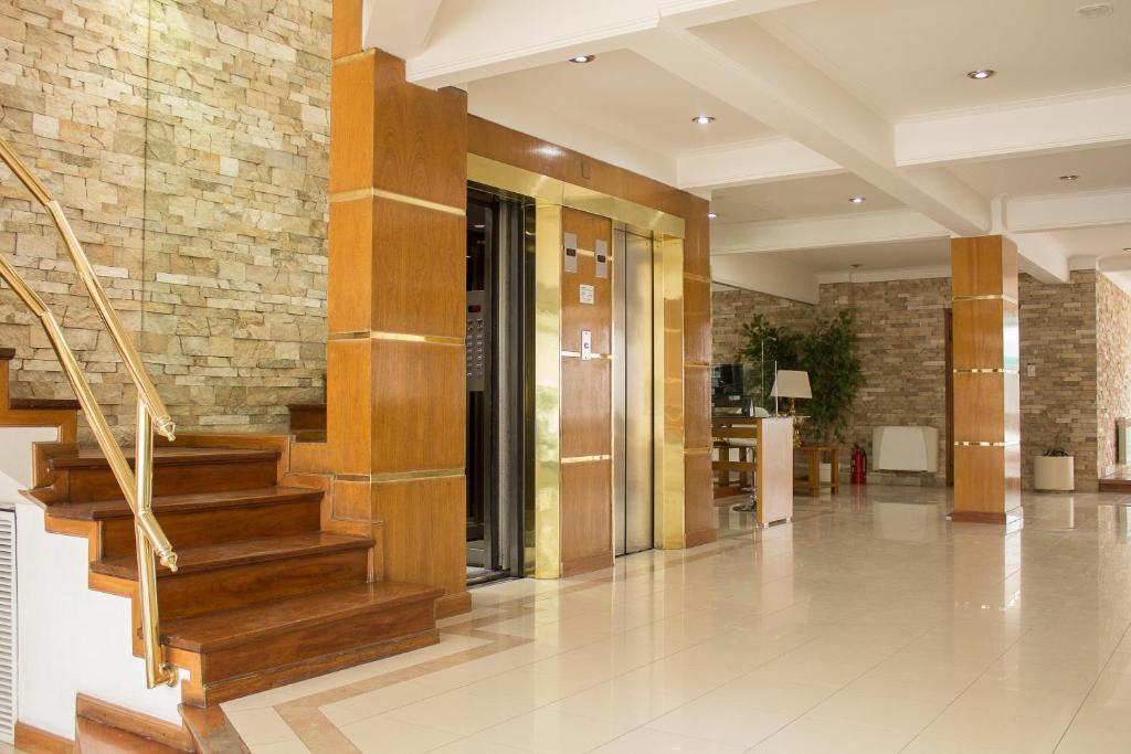 Hotel Dior (Argentina Tandil) - Booking.com
