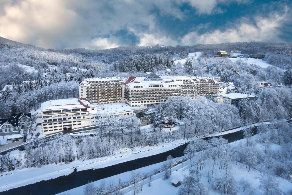 Hotel Gołębiewski Wisła during the winter