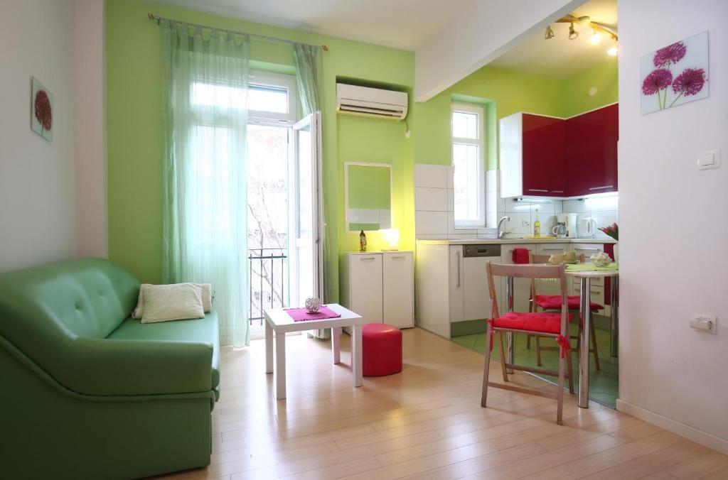Leli Apartments