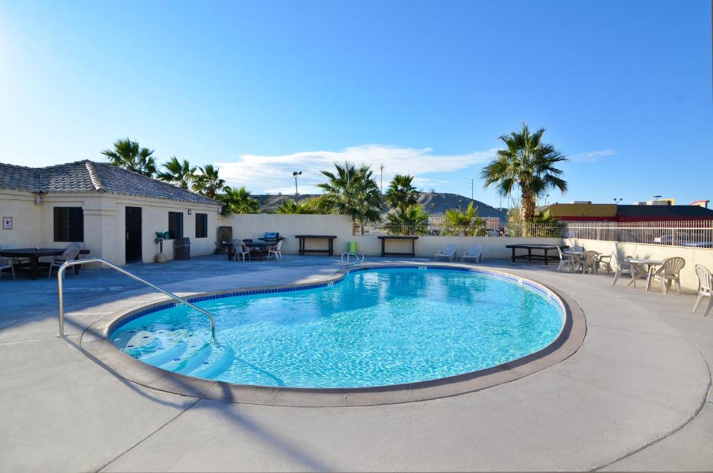 The swimming pool at or near Rio Del Sol Inn Needles