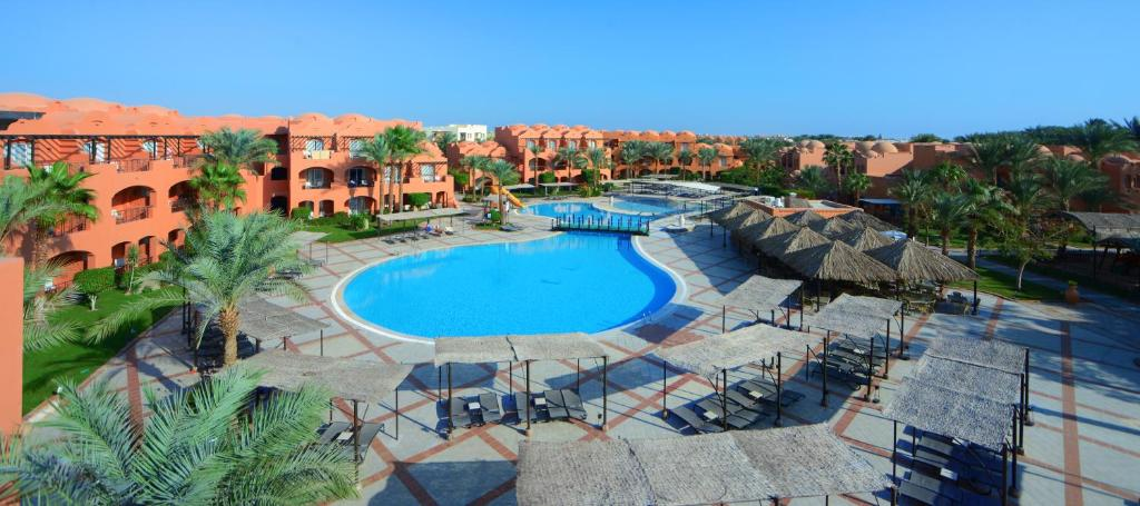 A view of the pool at Jaz Makadi Oasis Club or nearby