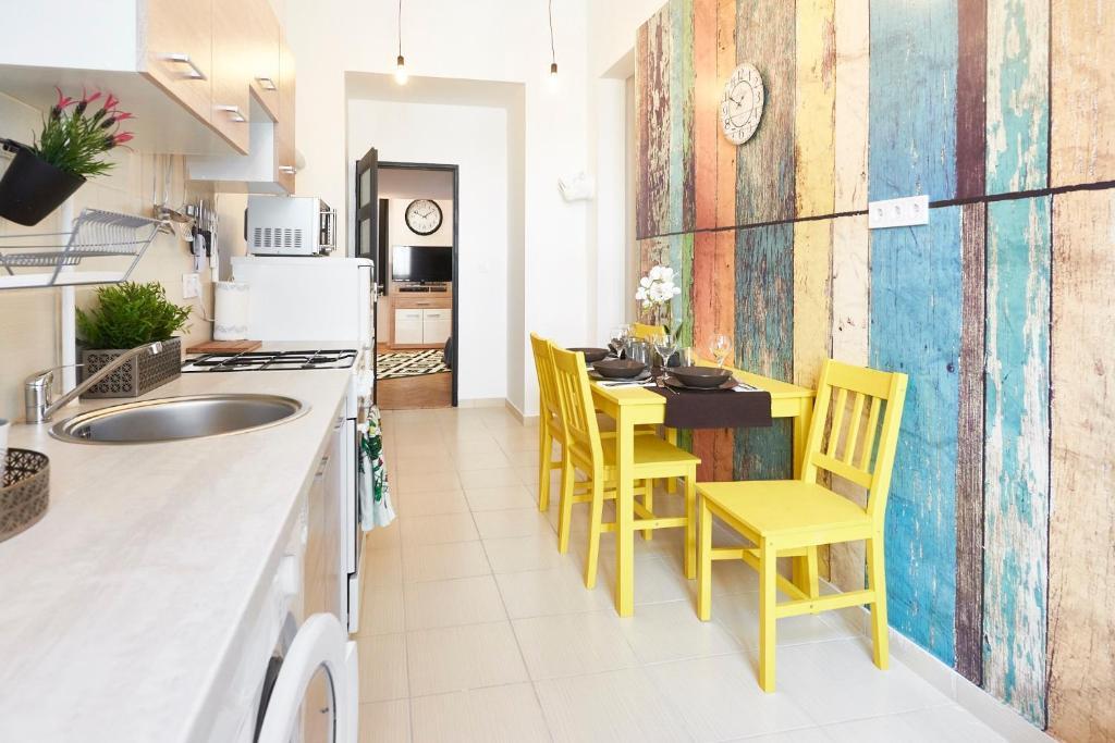 Küche/Küchenzeile in der Unterkunft Flat at Dohany